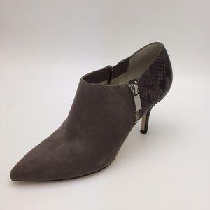 NWOT/NWOB Michael Kors Snakeskin Heel Pumps (1162)